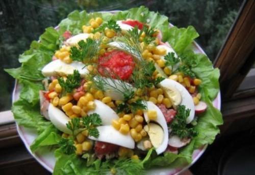 Салат из свеклы и моркови и шпротами