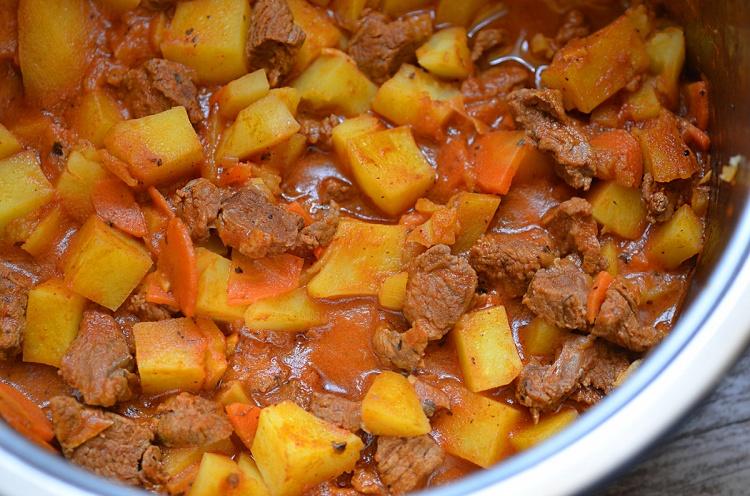 жаркое в свинины в казане рецепт с фото
